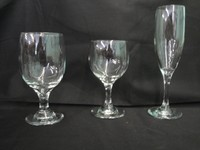 Glassware:Water goblet, wine glass,champagne flute